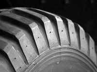 Списание шин в бухгалтерском учете — срок полезного использования автошин